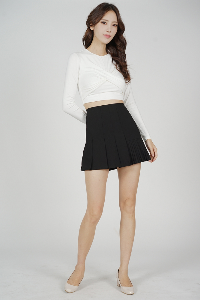 Losha Panel Pleated Skirt in Black - Online Exclusive
