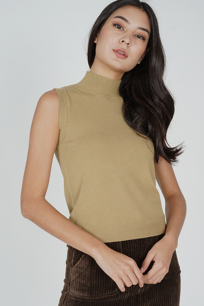 Odlei Puffy Top in Yellow - Arriving Soon