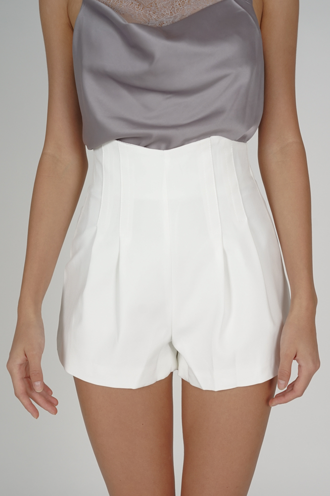 Valby High Waist Shorts in White - Online Exclusive