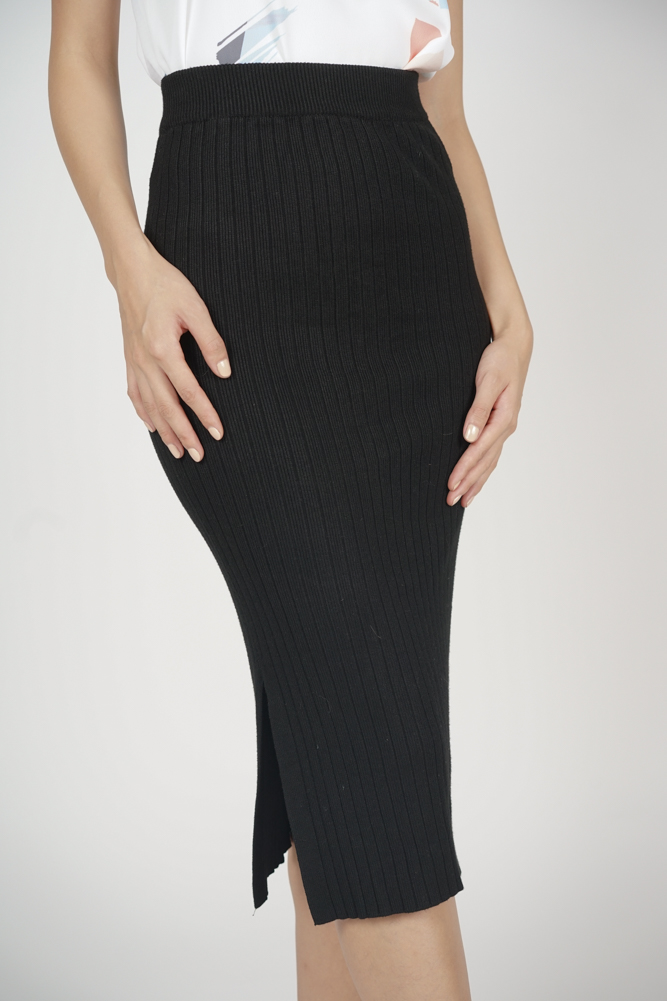 Evy Knit Skirt in Black - Online Exclusive
