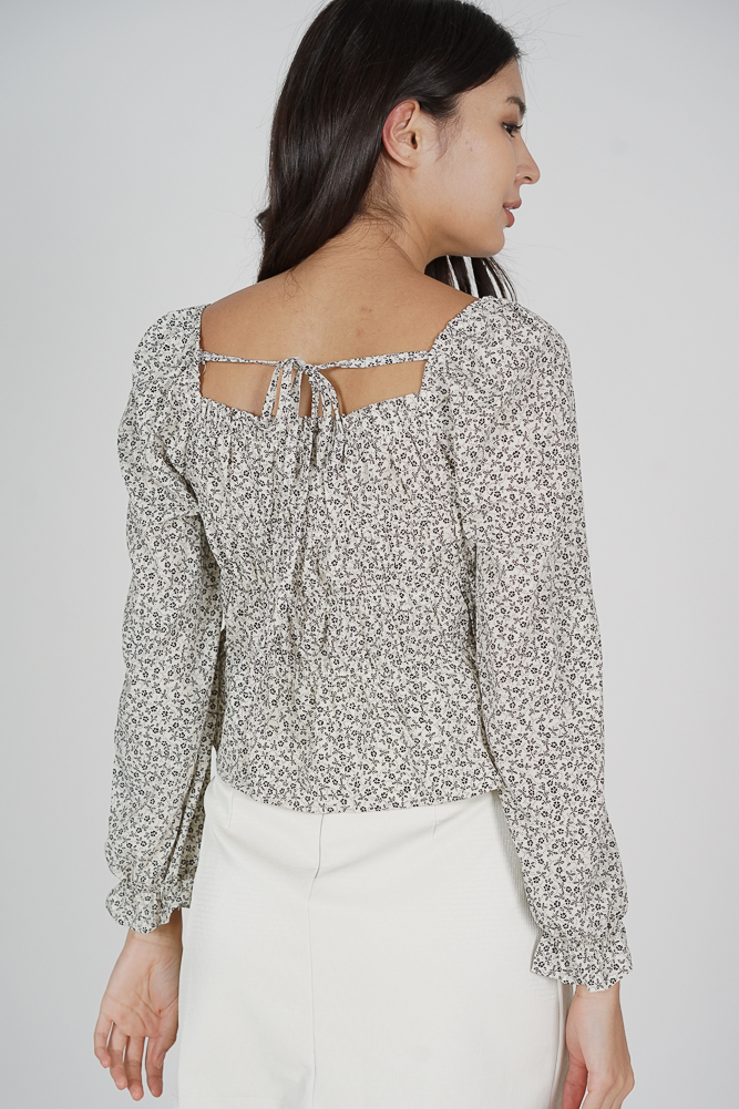 Catheryn Gathered Top in White - Online Exclusive