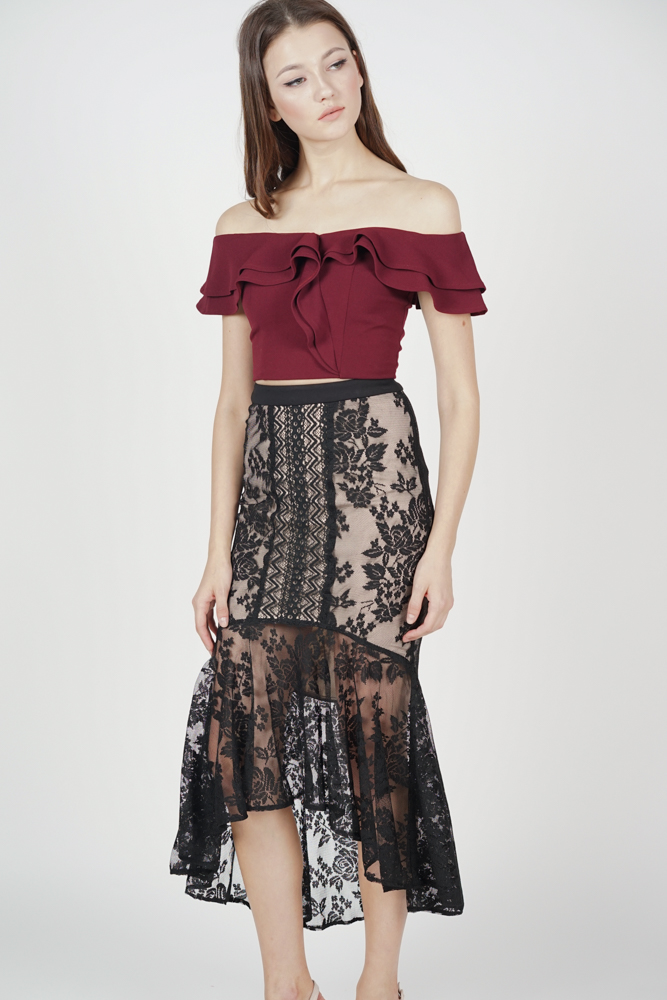 Izalea Lace Skirt in Black