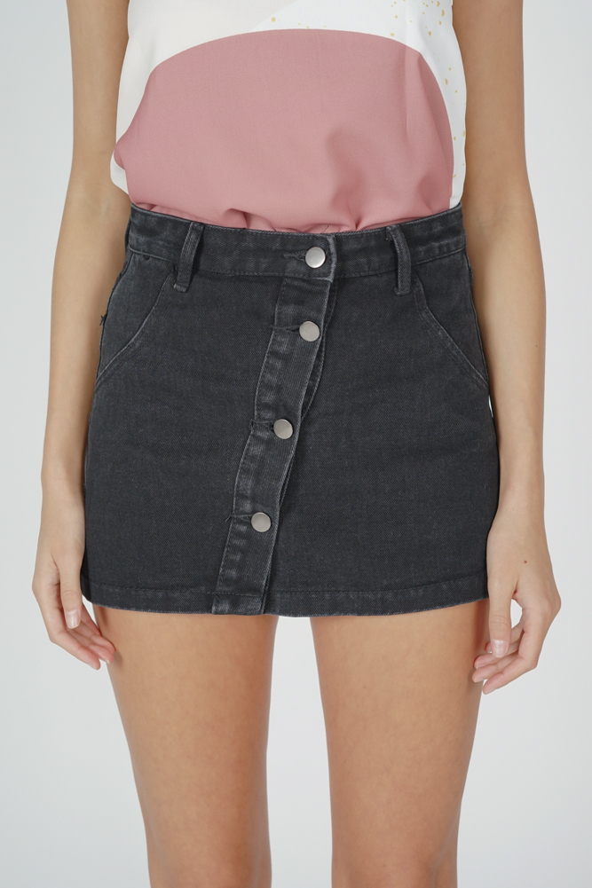 Aeryn Denim Skorts in Black
