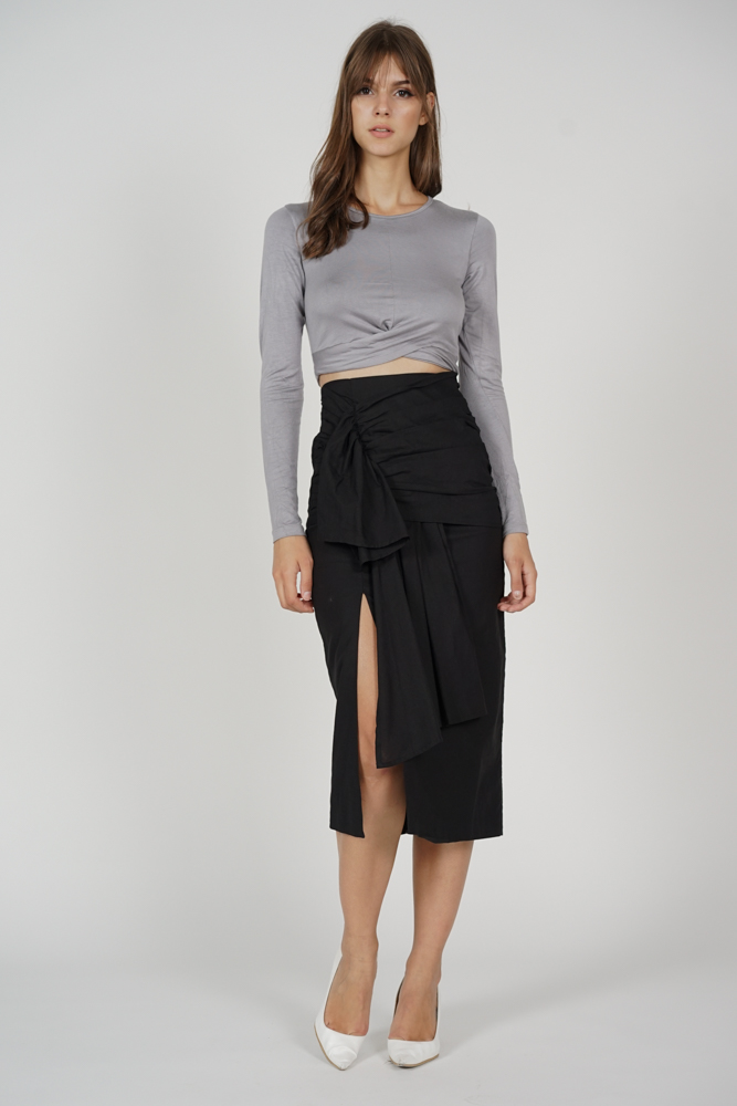 Toey Slit Skirt in Black