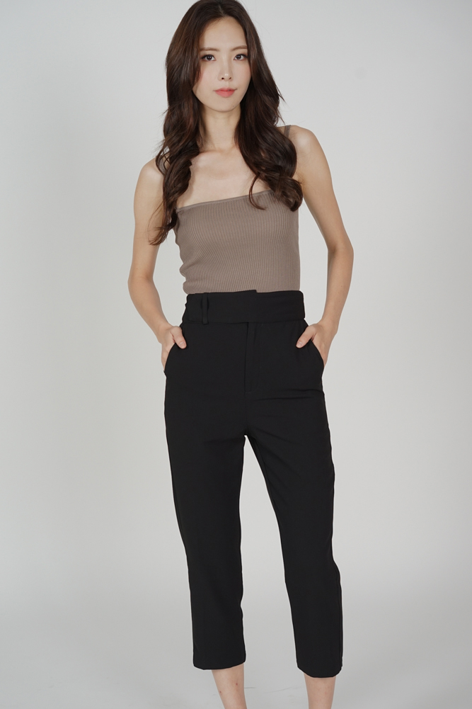 Gretchen Straight Pants in Black