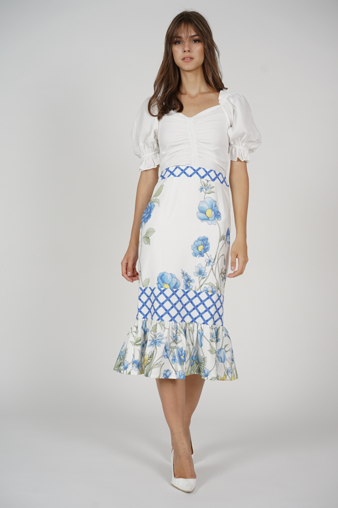 aa637af17 MDS. Carissa Ruffled-Hem Skirt in Blue Checks Floral