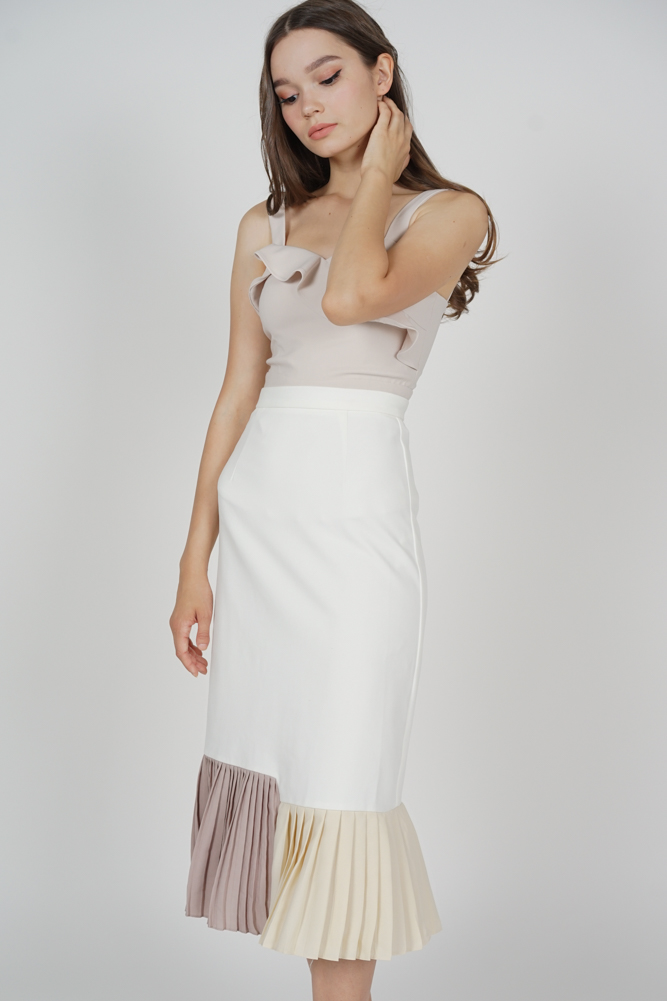 Dorothy Pleated-Hem Skirt in White