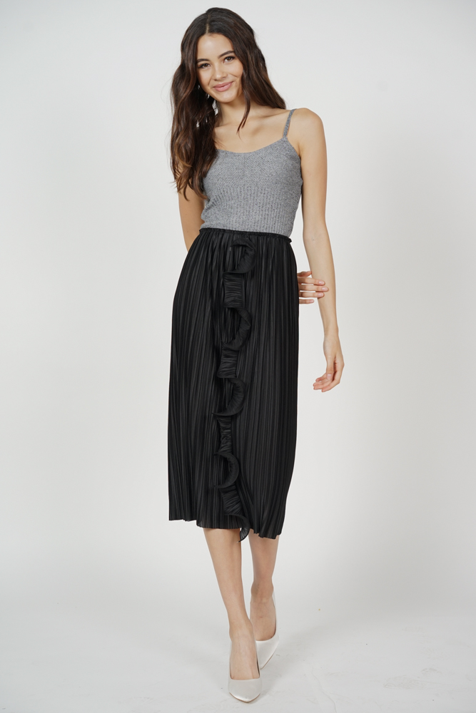 Darlas Pleated Ruffle Skirt in Black