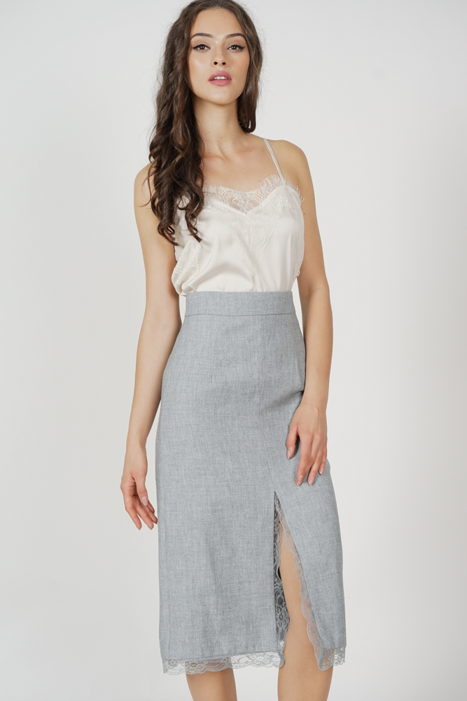 Cobain Lace-Trimmed Slit Skirt in Grey