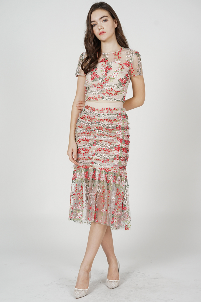 Rewin Ruched Skirt in Red Floral