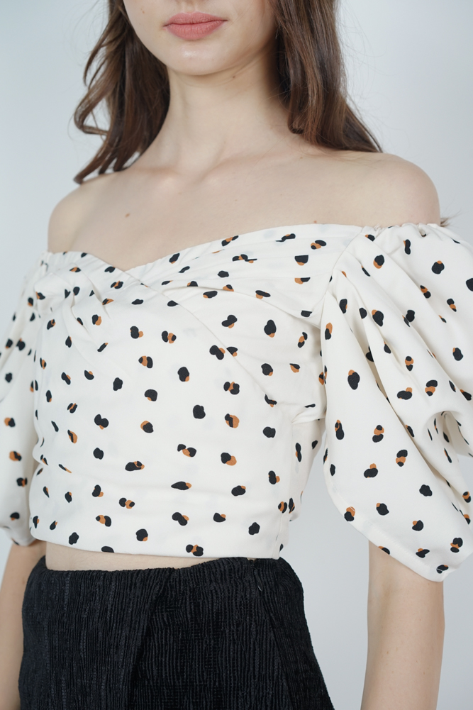 Orabelle Puffy Top in White Cheetah