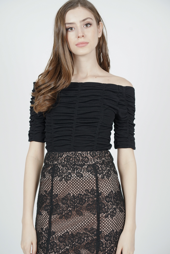 Edrio Ruched Top in Black