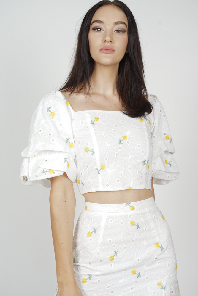 Ursa Puffy Top in Yellow Floral