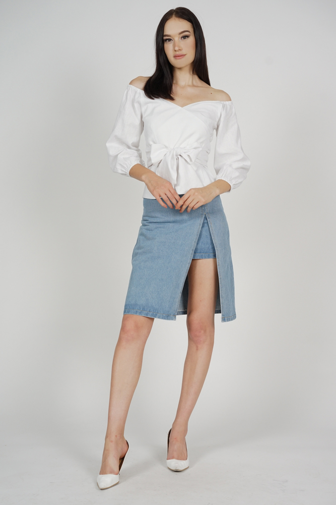 Yenie Overlay Puffy Top in White - Arriving Soon