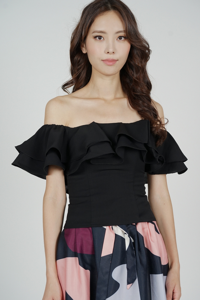 Yelda Flounce Top in Black
