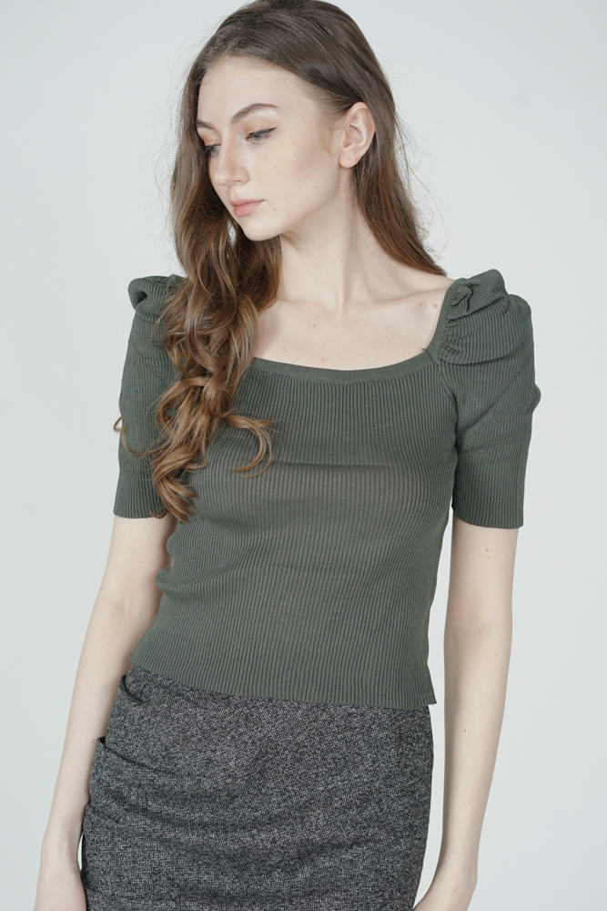 Nairna Sleeved Top in Green - Online Exclusive