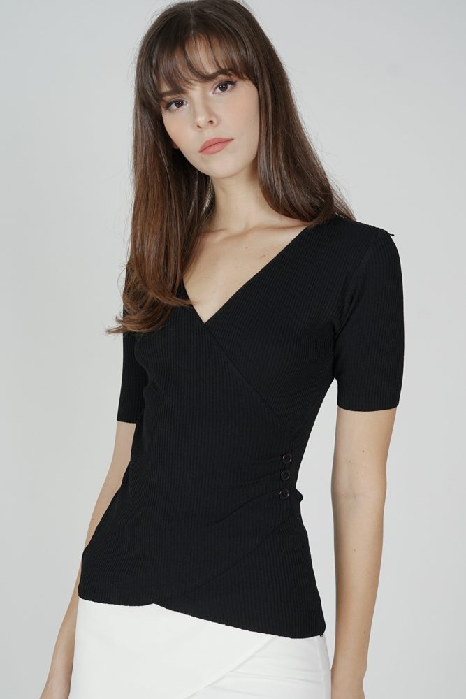 Lauper Sleeved Top in Black - Online Exclusive