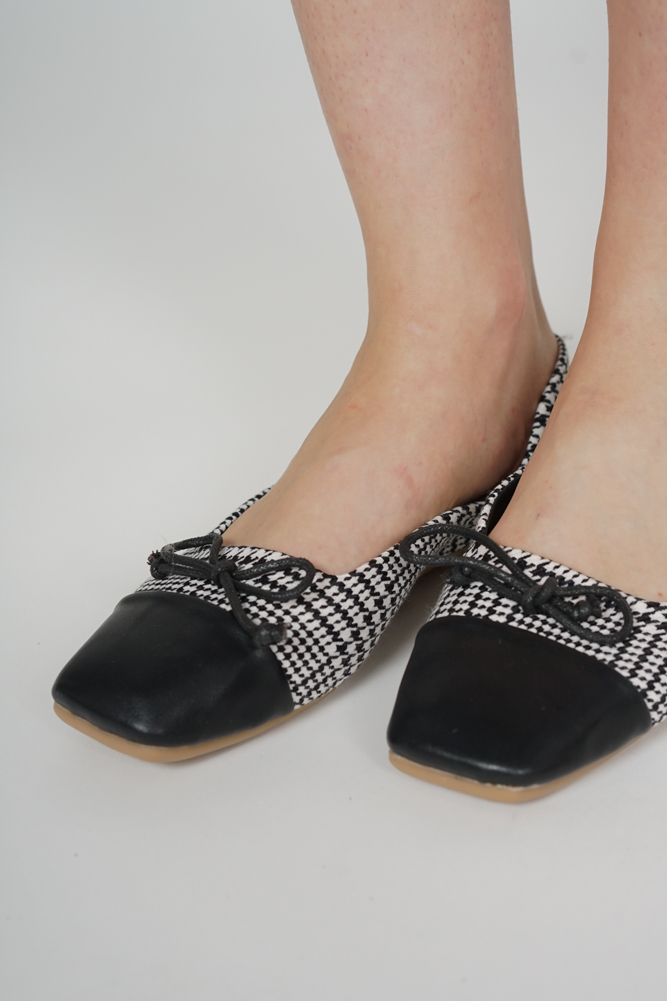 Kaizer Flat Pumps in Houndstooth - Arriving Soon