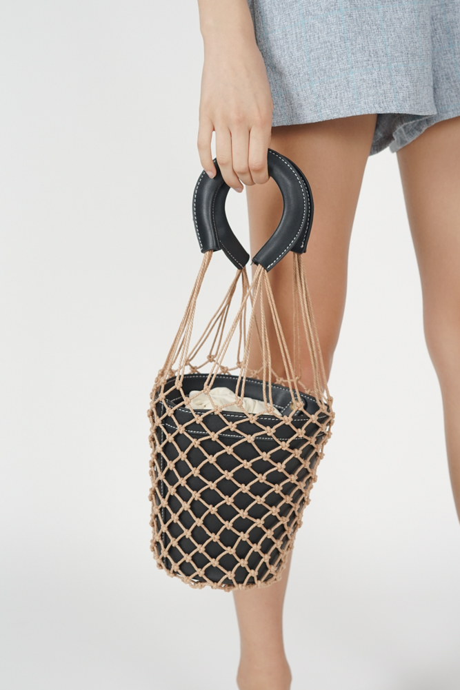 Netted Bucket Bag in Black