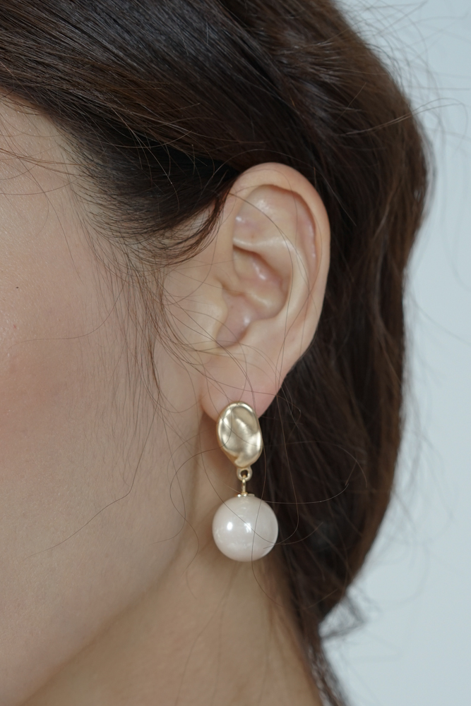 Curie Earrings in Cream - Arriving Soon